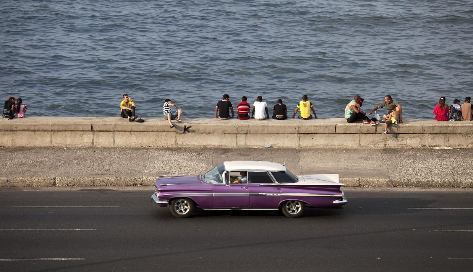 Biden begins new thaw with Cuba